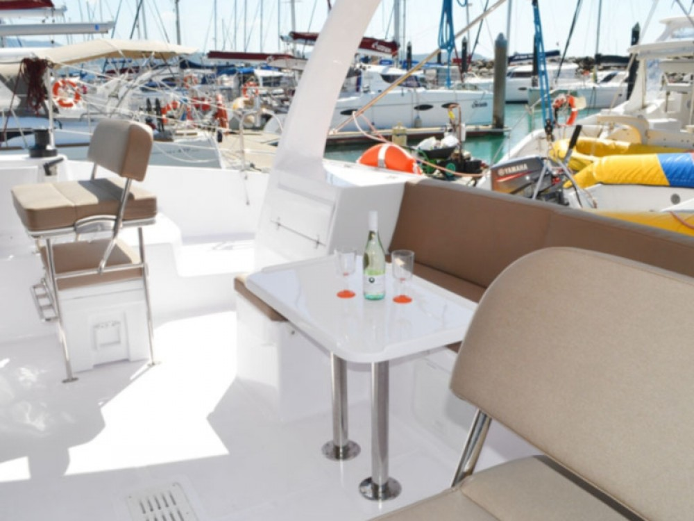 Rental Catamaran in Calliaqua - Seawind Seawind 1260