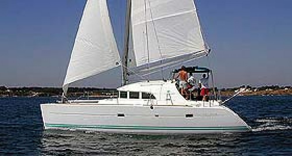 Rental Catamaran in Calliaqua - Lagoon Lagoon 380