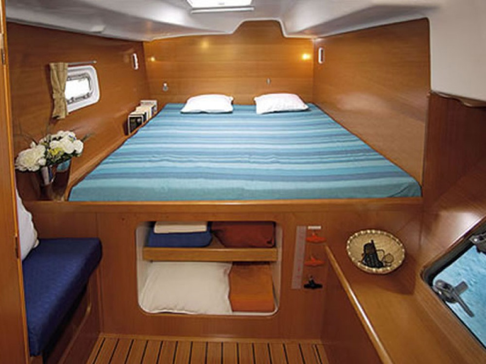 Lagoon Lagoon 380 between personal and professional Calliaqua