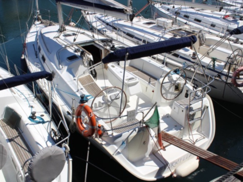 Boat rental Genova cheap Cyclades 39.3
