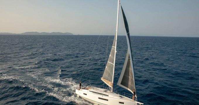 Rental Sailboat in Lefkada (Island) - Jeanneau Sun Odyssey 410