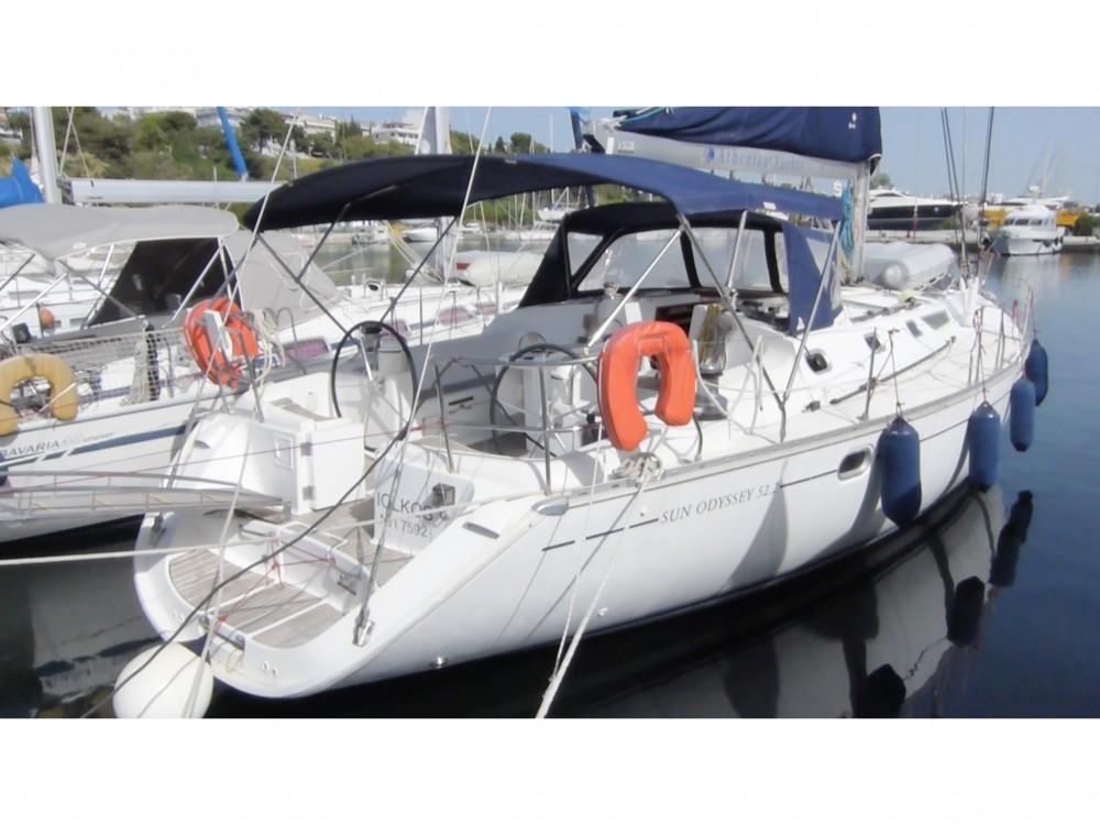 Jeanneau Sun Odyssey 52.2 between personal and professional Nikiti