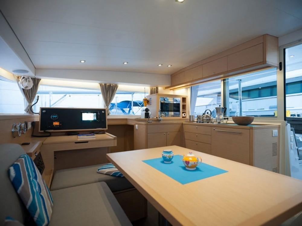 Boat rental Nikiti cheap Lagoon 400 S2