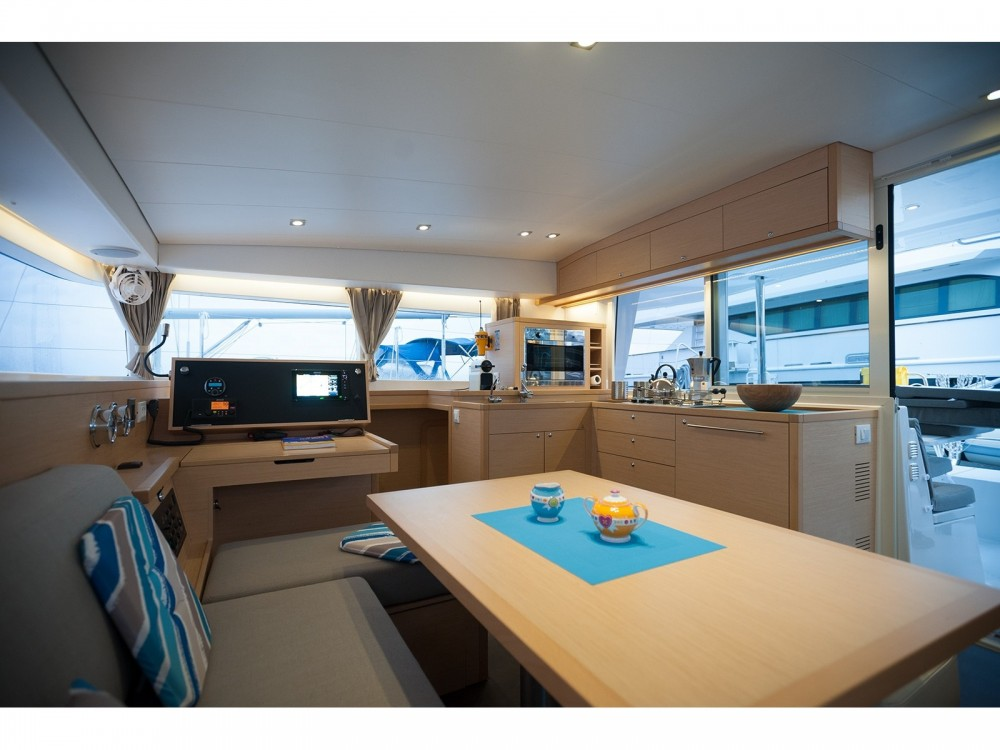 Rental Catamaran in Nikiti - Lagoon Lagoon 400 S2
