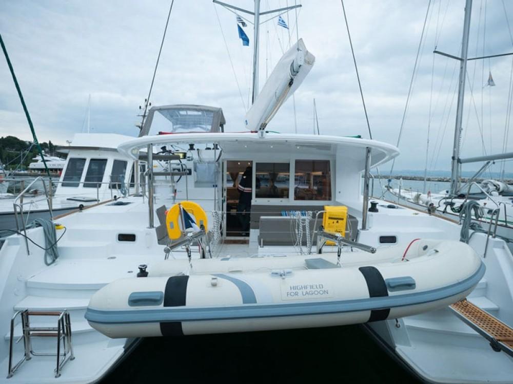 Rental yacht Nikiti - Lagoon Lagoon 400 S2 on SamBoat