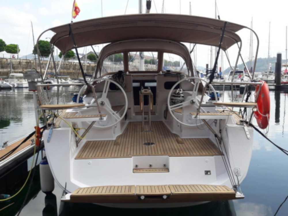 Boat rental Elan Elan Impression 40 in Galicia on Samboat