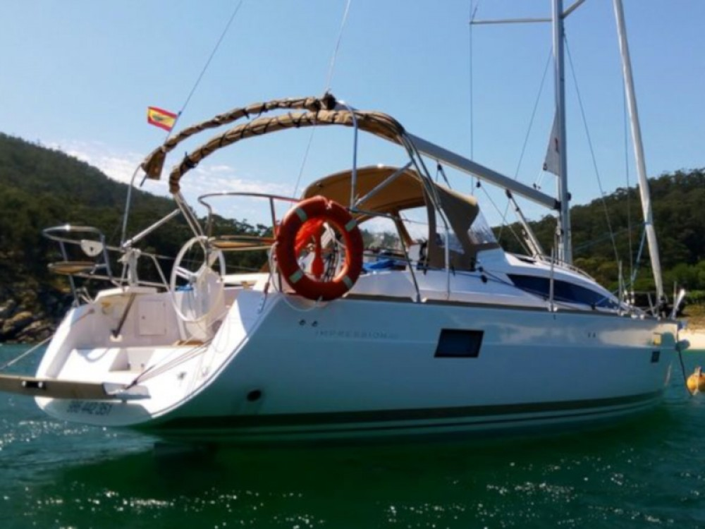 Hire Sailboat with or without skipper Elan Galicia