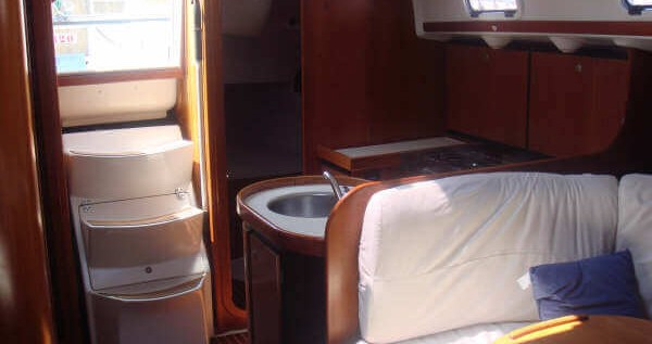 Rental Sailboat in Vigo - Ronautica Ro 400