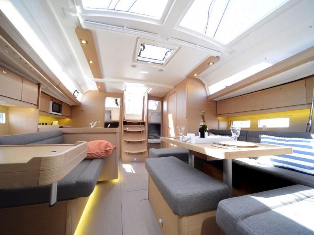 Rental Sailboat in Capo d'Orlando - Dufour Dufour 412 GL