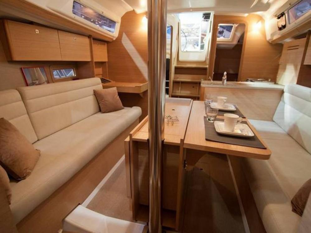 Rental yacht Capo d'Orlando - Dufour Dufour 310 GL on SamBoat