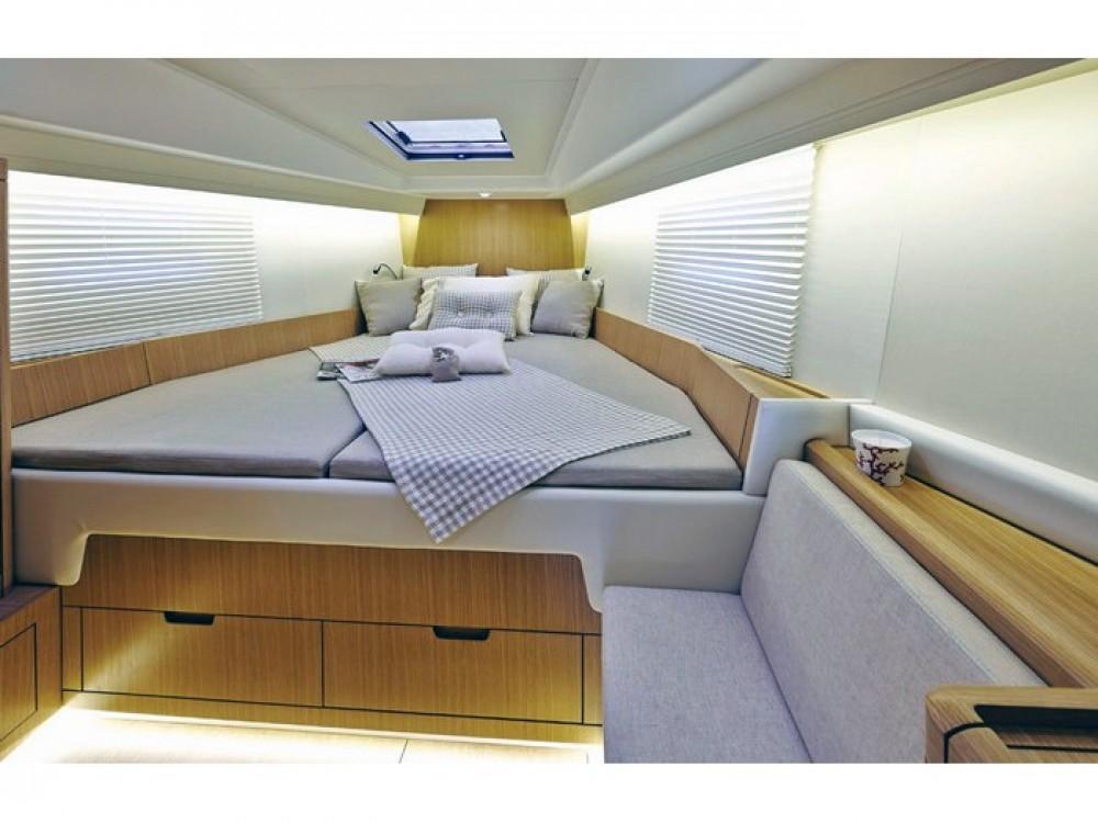 Boat rental Capo d'Orlando Marina cheap Azuree 46