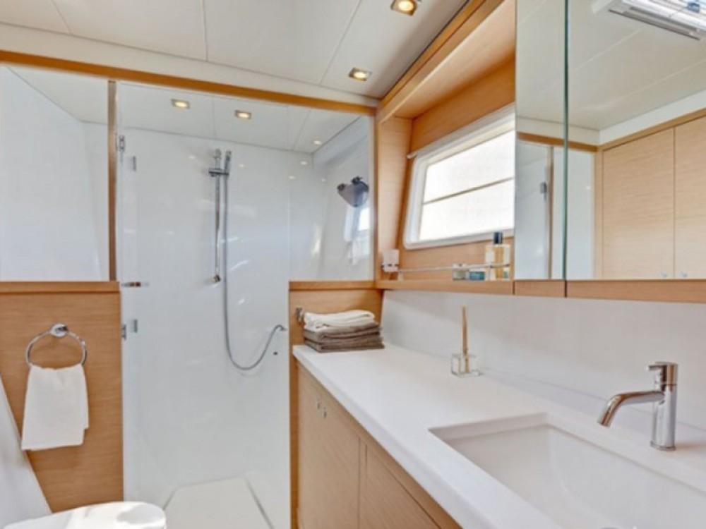 Boat rental Laurium cheap Lagoon 450