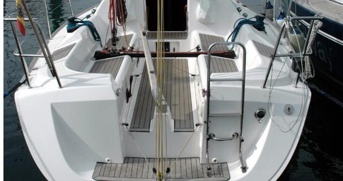 Rental Sailboat in Vigo - Elan Elan 31 Performance