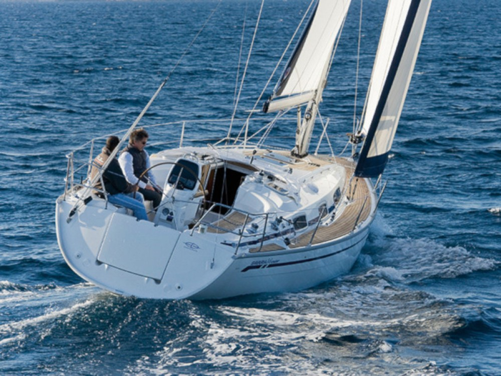 Rental Sailboat in Olympic Marina - Bavaria Bavaria 34 Cruiser