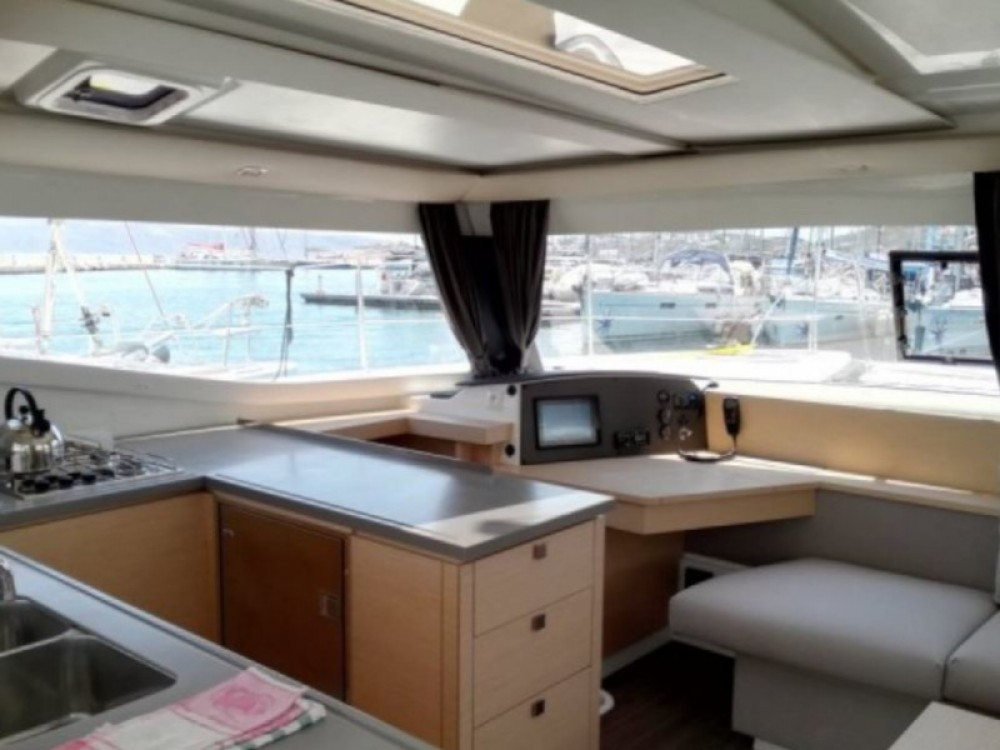 Rental Catamaran in Lefkada - Fountaine Pajot Helia 44