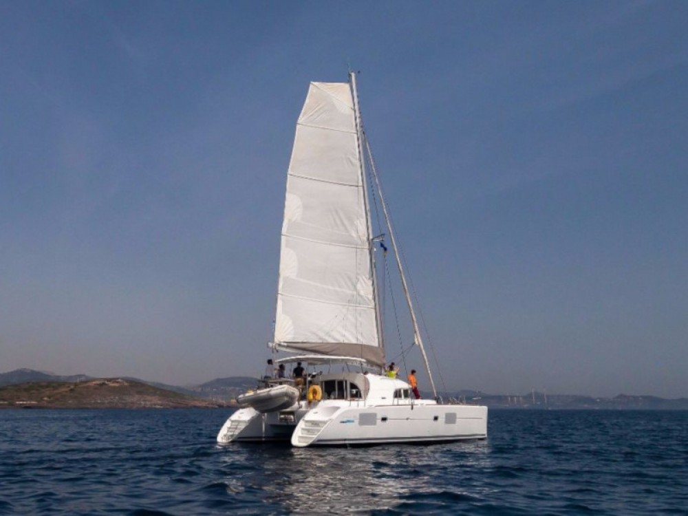 Rental Catamaran in Laurium - Lagoon Lagoon 380 S2