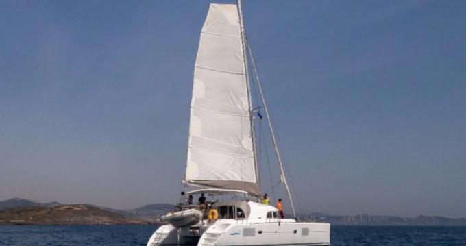 Rental yacht Lávrio - Lagoon Lagoon 380 S2 on SamBoat