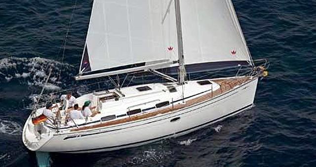 Boat rental Bavaria Bavaria 33 Cruiser in Lávrio on Samboat