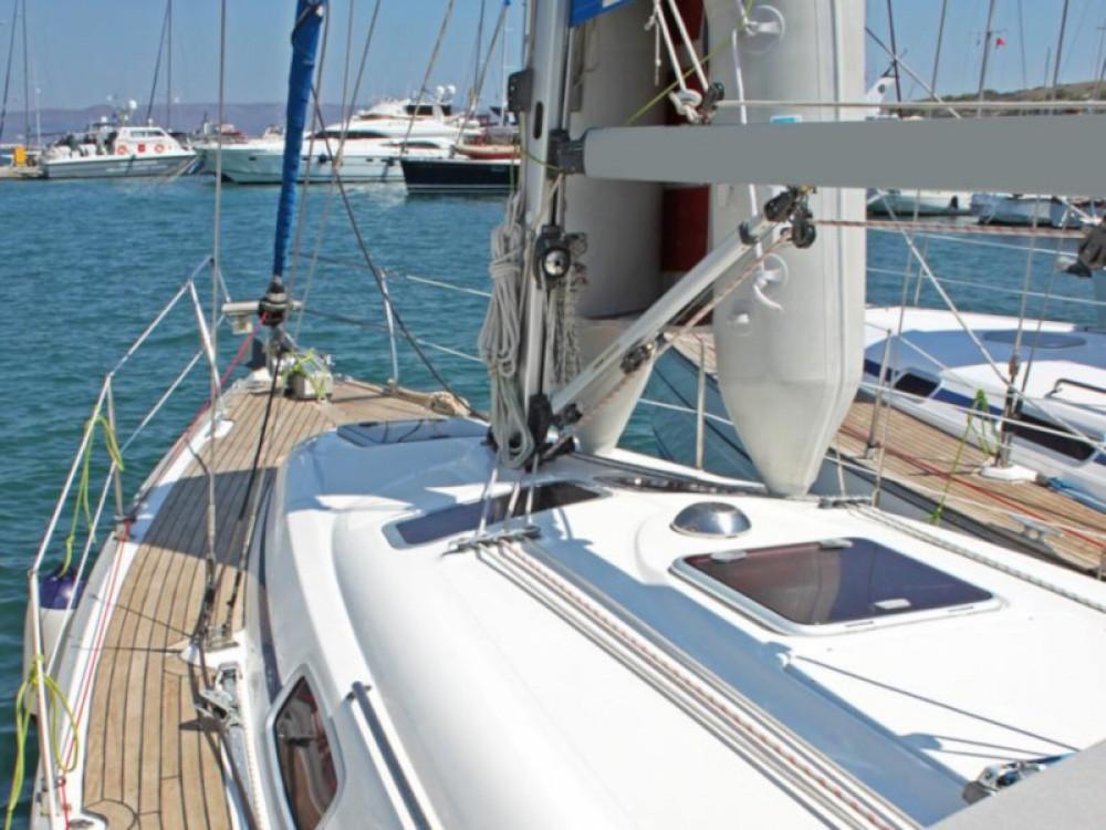 Rental yacht  - Bavaria Bavaria 33 Cruiser on SamBoat