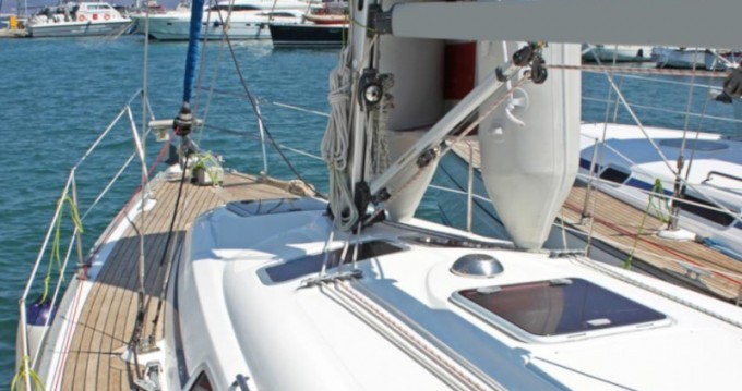 Rental Sailboat in Lávrio - Bavaria Bavaria 33 Cruiser