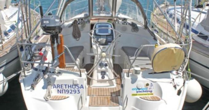 Rental yacht Λαύριο - Bavaria Bavaria 33 Cruiser on SamBoat