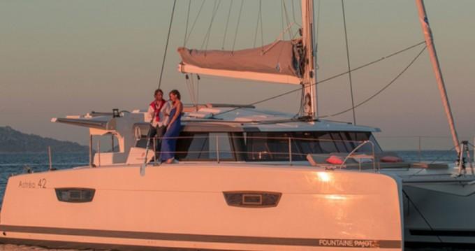 Rental Catamaran in Lávrio - Fountaine Pajot Astrea 42