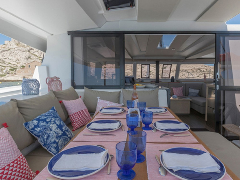 Boat rental Fountaine Pajot Astrea 42 in Laurium on Samboat