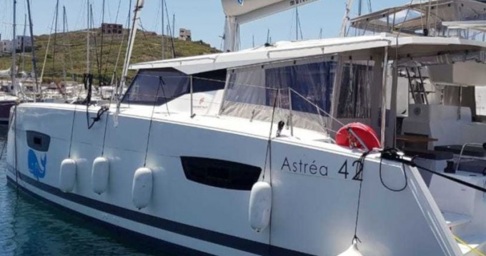 Boat rental Fountaine Pajot Astrea 42 in Lávrio on Samboat