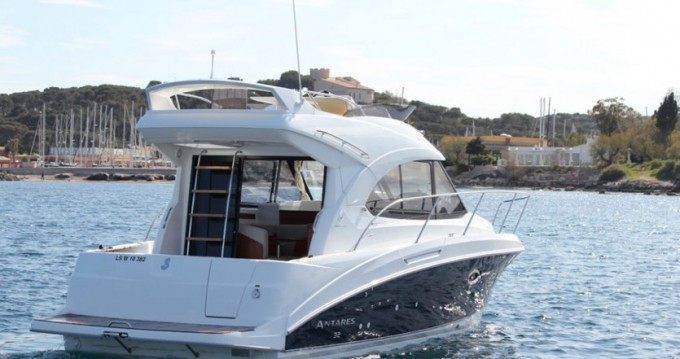 Motorboat for rent Cannigione at the best price
