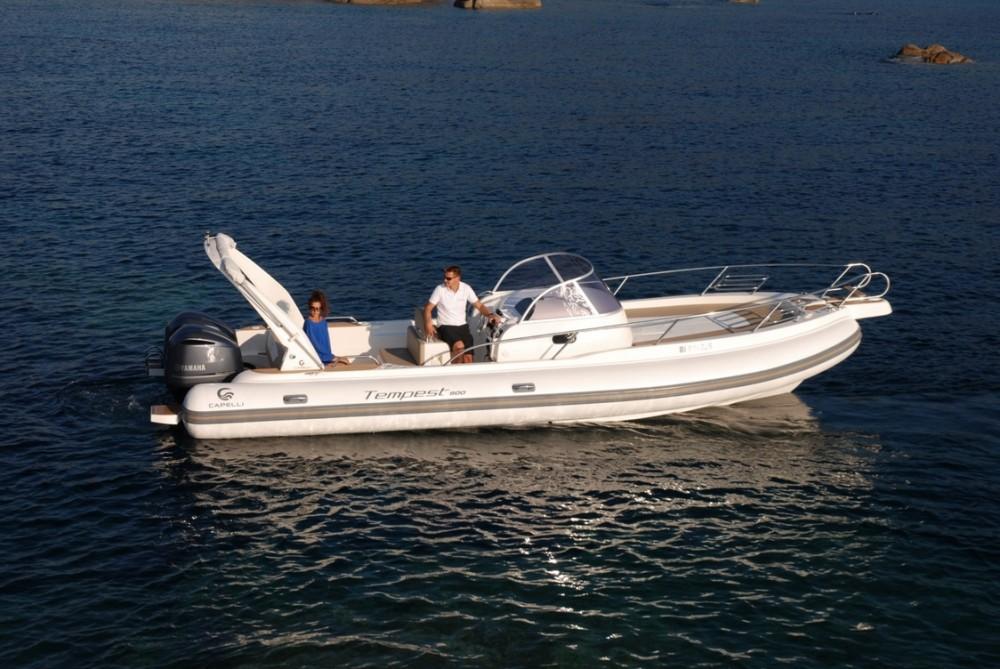 Boat rental Cantieri Tempest 900 in Cannigione on Samboat