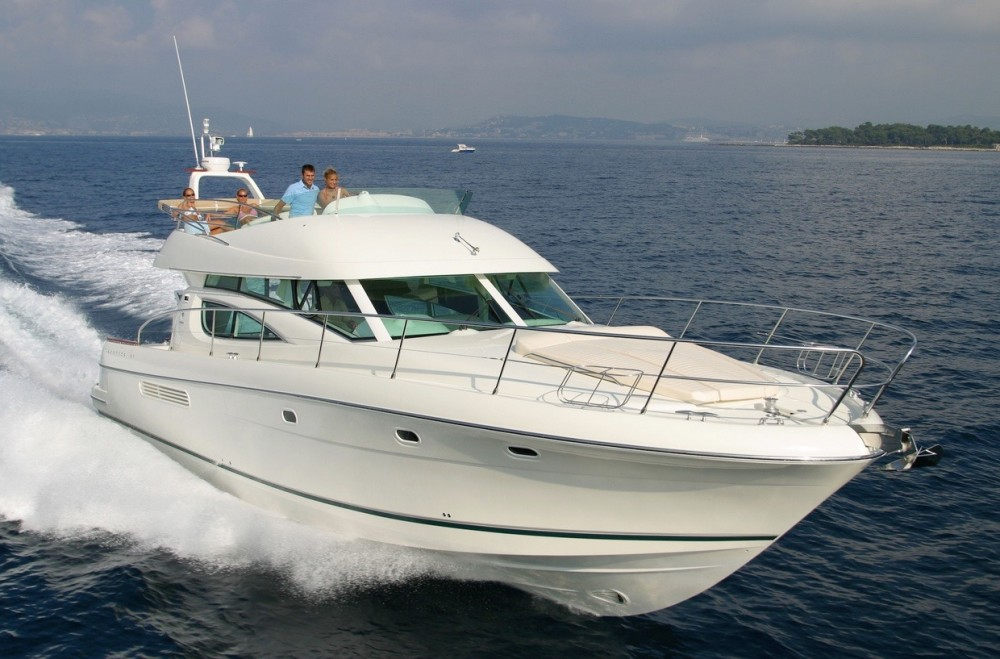Rental yacht Alzachèna/Arzachena - Jeanneau Prestige 46 Fly-a on SamBoat