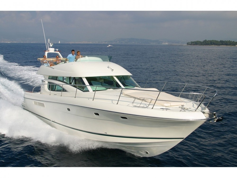 Hire Motorboat with or without skipper Jeanneau Alzachèna/Arzachena