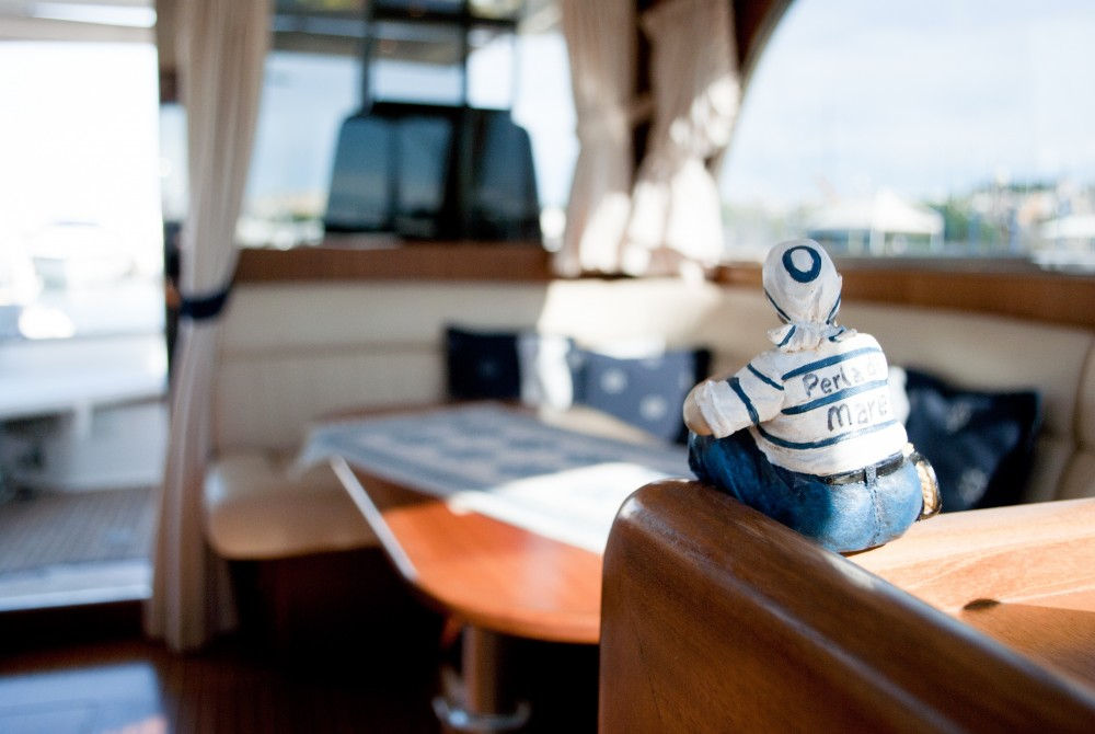 Motorboat for rent Cagliari at the best price