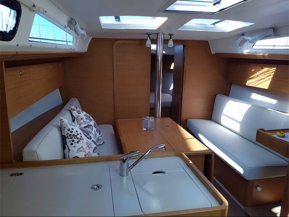 Dufour Dufour 360 Grand Large between personal and professional