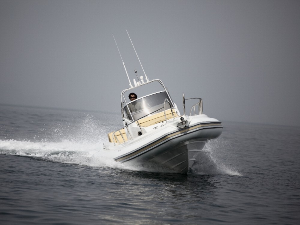 Boat rental Alzachèna/Arzachena cheap Lomac 1100