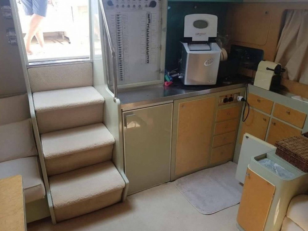 Motorboat for rent Olbia at the best price