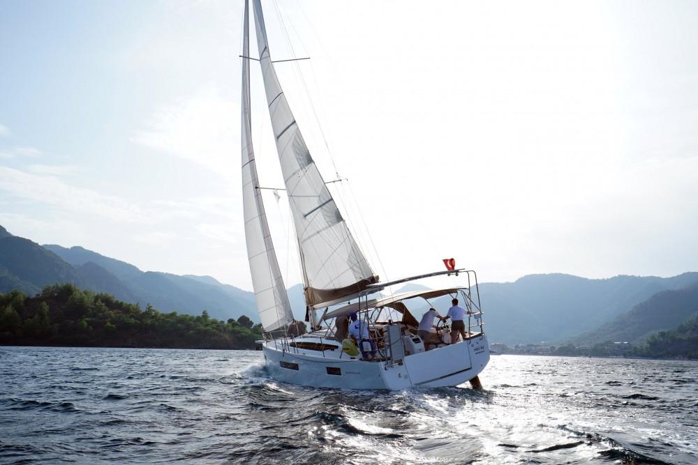 Boat rental Jeanneau Sun Odyssey 410 in Marmaris on Samboat