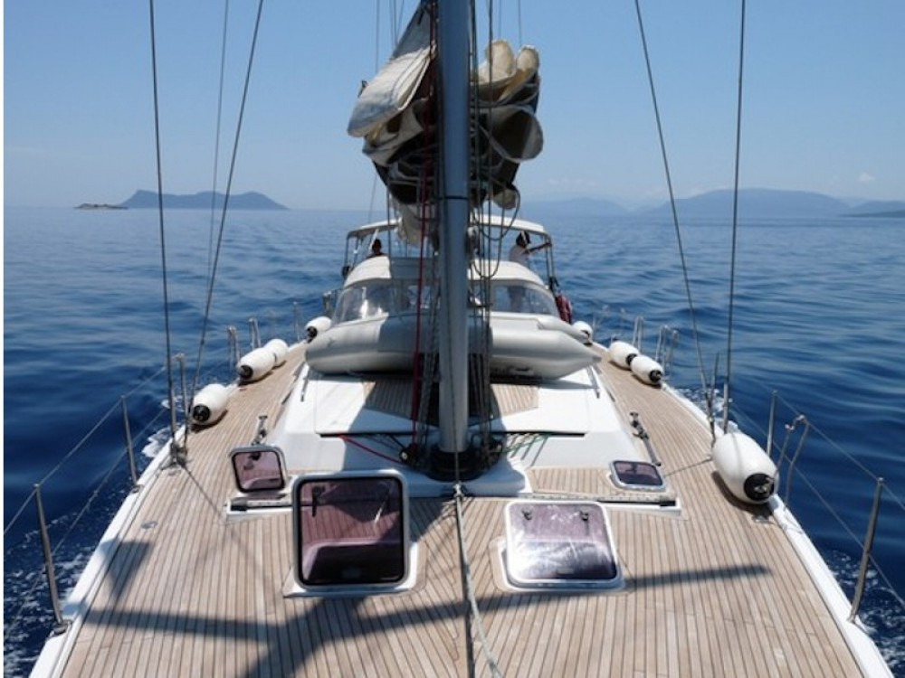 Boat rental Hanse Hanse 540e in Alimos Marina on Samboat