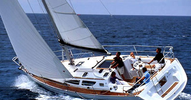 Hire Sailboat with or without skipper Jeanneau Kallithea