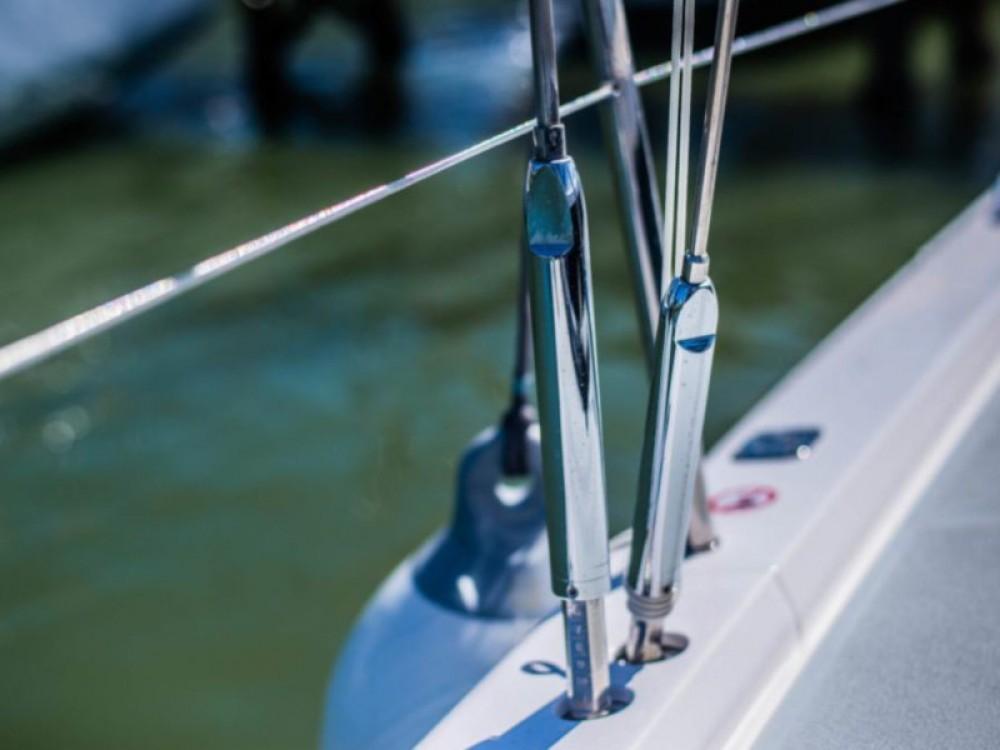 Rent a X-Yachts Xc 45 Lávrio