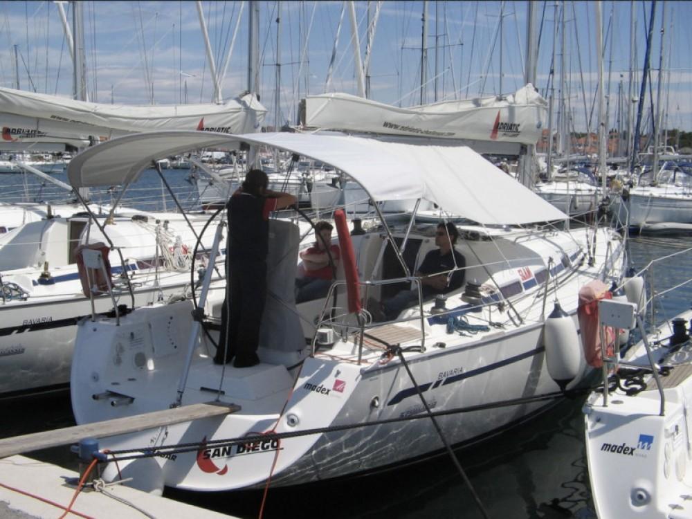 Rental yacht Marina Pirovac - Bavaria Bavaria 42 Match on SamBoat