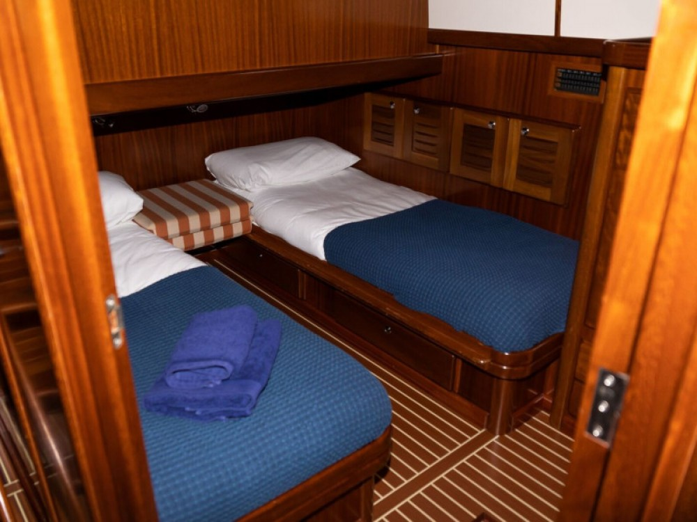 Rental yacht  - Astilleros Menorquin 160 FLY on SamBoat
