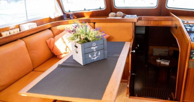 Boat rental Astilleros Menorquin 160 FLY LUX in Spain on Samboat