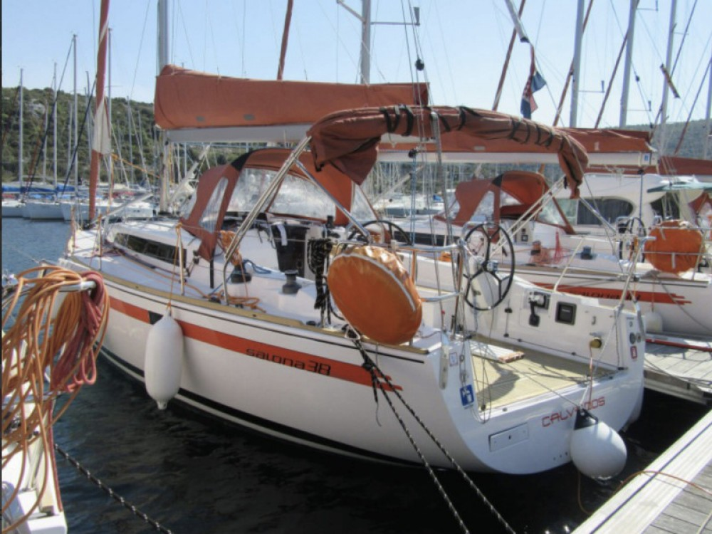 Rental yacht Marina Pirovac - Salona Salona 38 on SamBoat