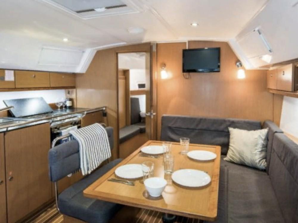 Rental yacht Pirovac - Bavaria Bavaria 40 Cruiser S on SamBoat