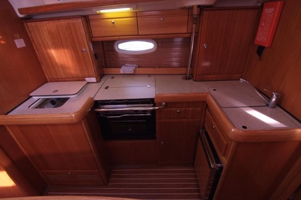 Boat rental Bavaria Bavaria 42 Cruiser in Krk on Samboat