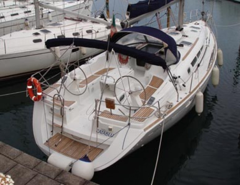 Hire Sailboat with or without skipper Jeanneau Falcone