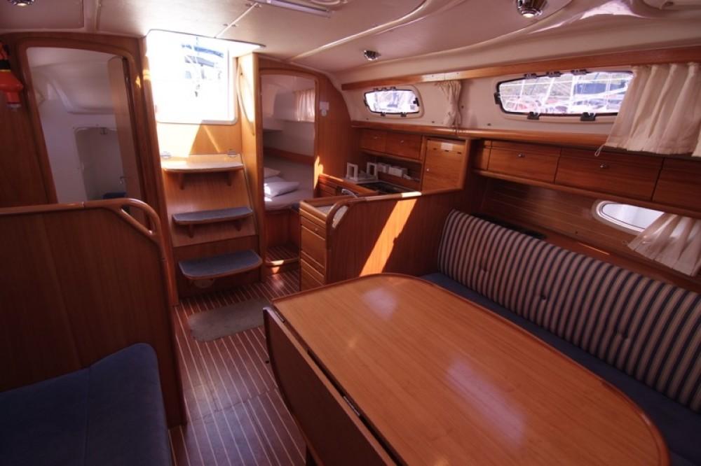 Boat rental Bavaria Bavaria 33 Cruiser in Krk on Samboat