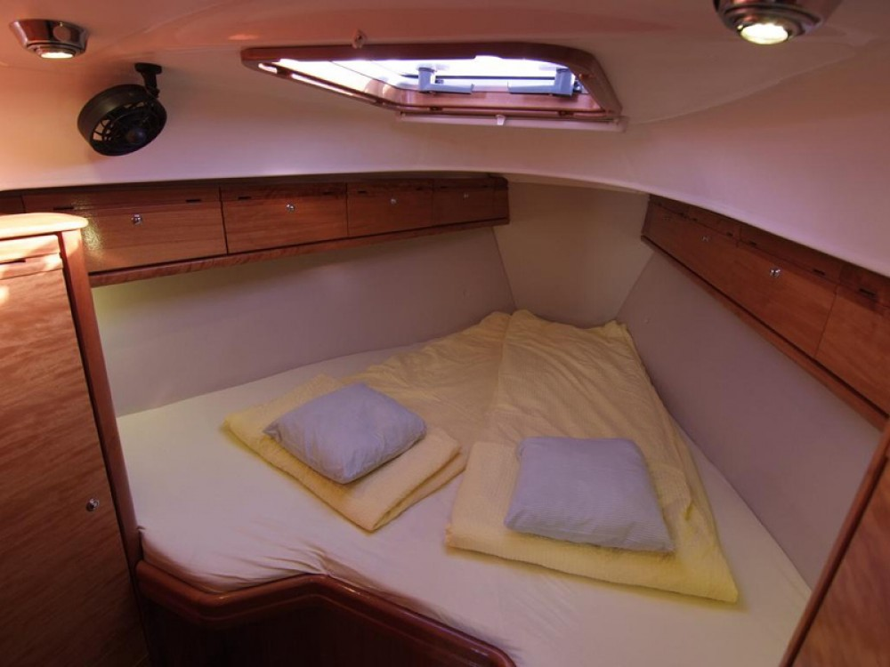 Rental yacht Krk - Bavaria Bavaria 33 Cruiser on SamBoat