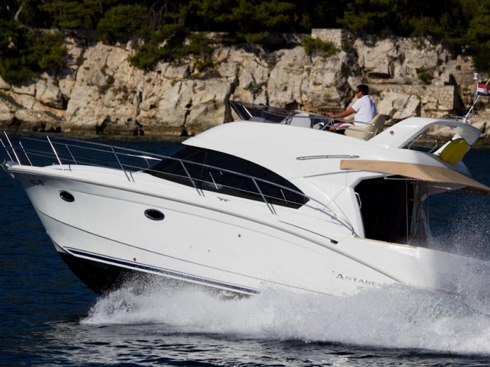 Rental Motor boat in Split - Bénéteau Antares 36 (2011)